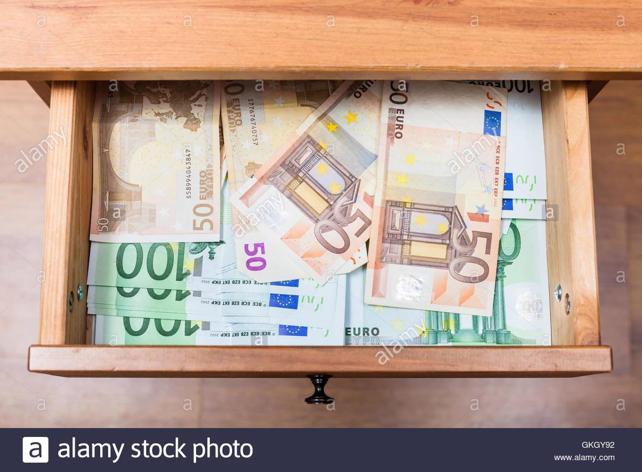€ 370 ԱՆՎԱՐ չիպը Miamidice- ում
