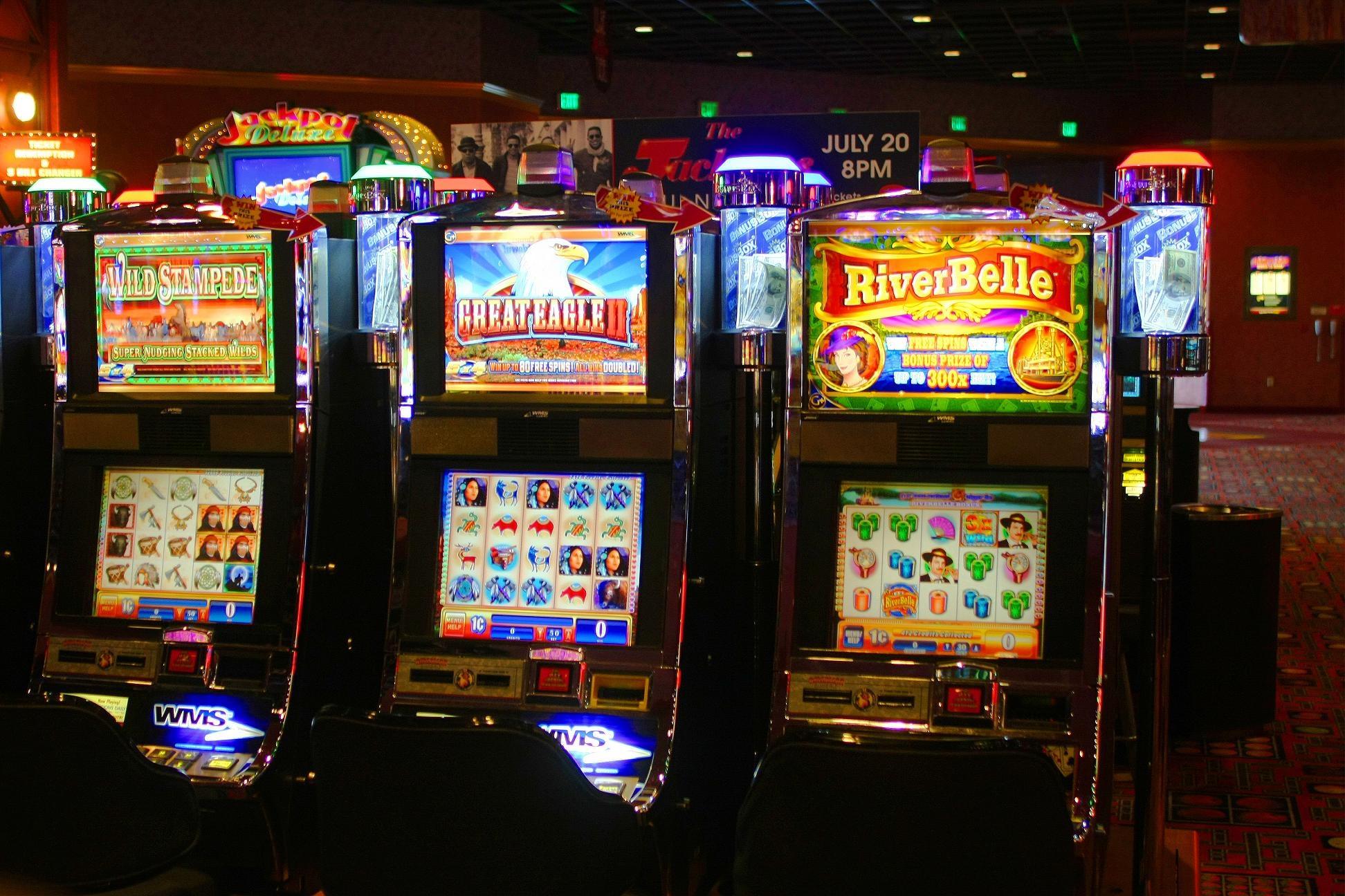 300免费旋转在Reef Club Casino没有存款