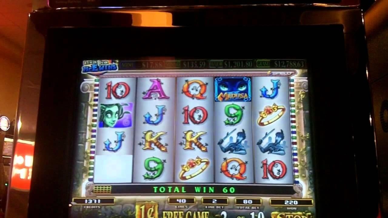 22 Pa pagesë rrotullon kazino në Piramidat Pasuri