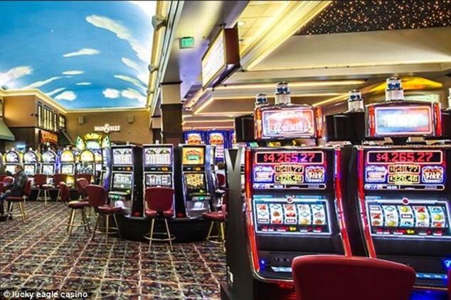 11 Free Spins no deposit casino at Deluxino