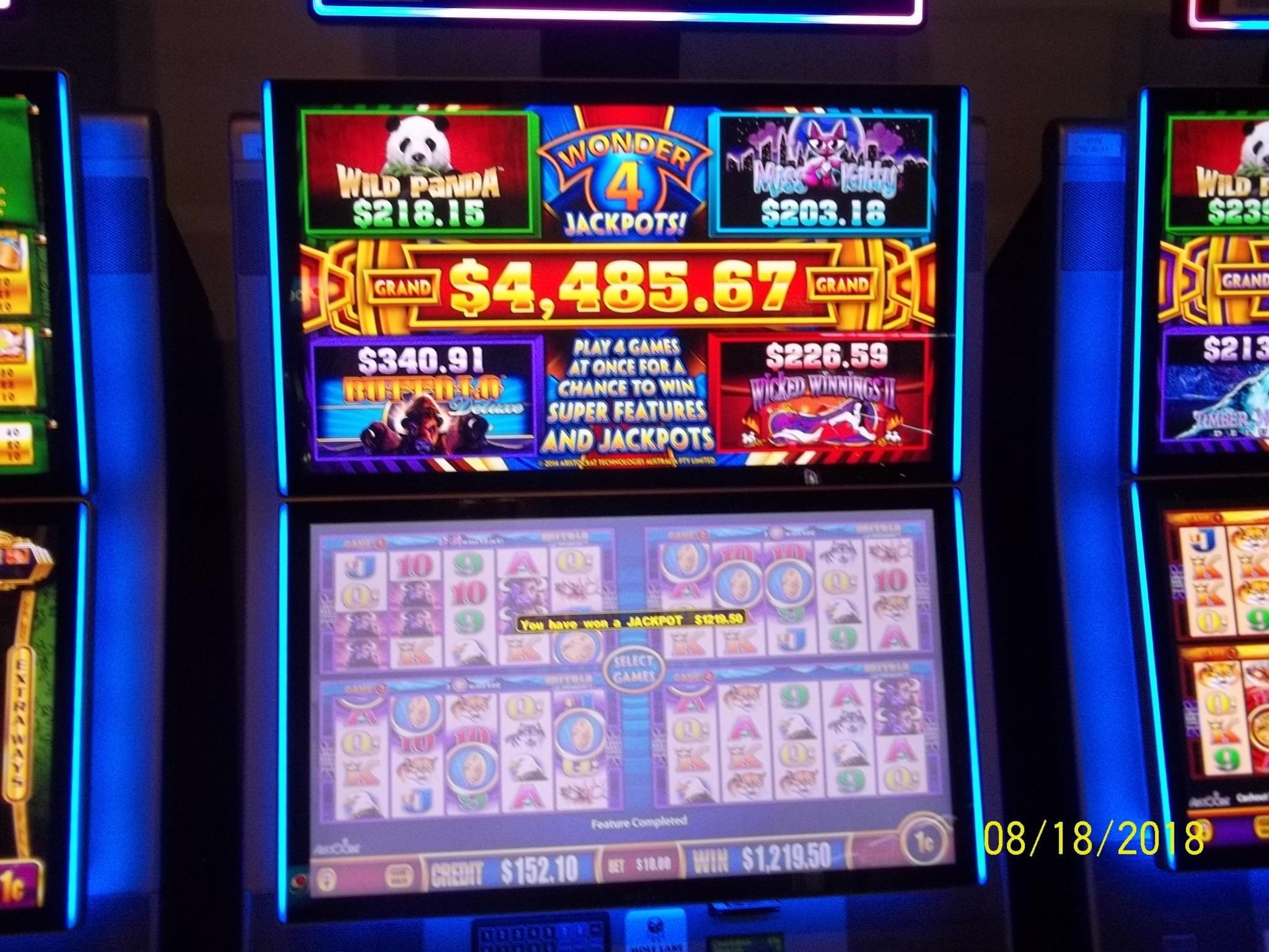 240- ը անվճար կազինո է, Jackpot Luck- ում