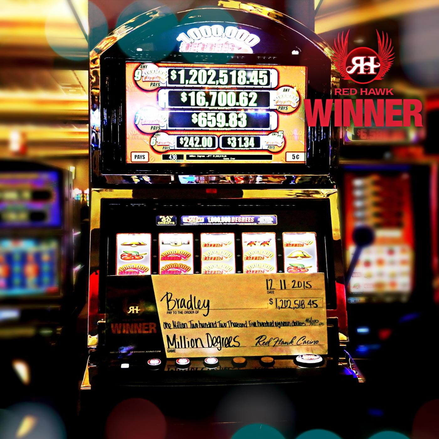77 Sadık Ücretsiz Döndürme! Black Lotus Casino'da
