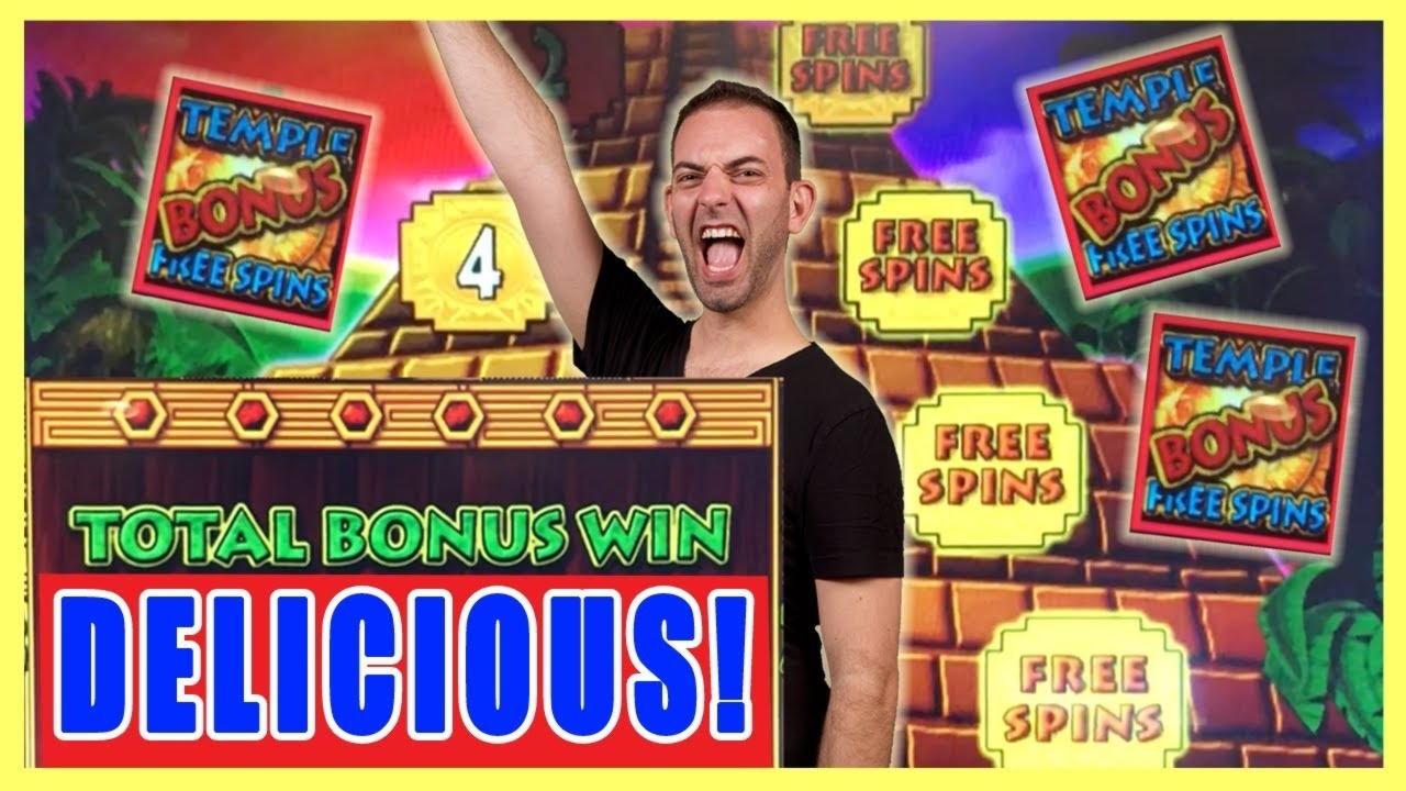 960% Welcome Bonus at Split Aces Casino