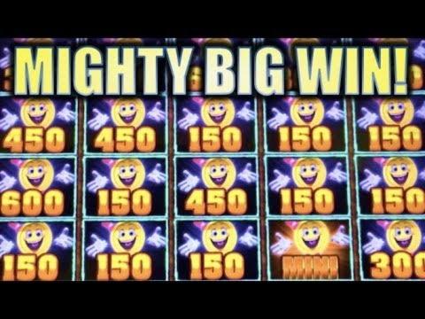 $ 600 GRATIS CASINO CHIP på Qeen Bee Bingo