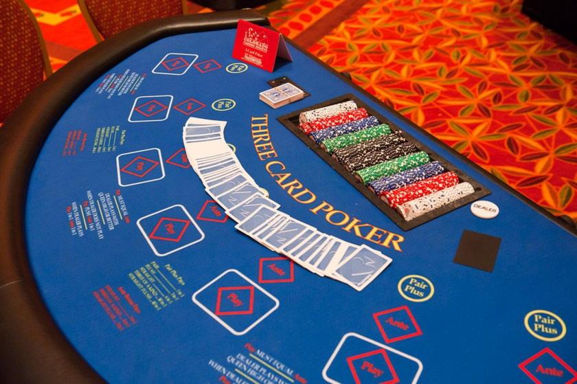 EUR 255 Bezmaksas čipu kazino Diamond Club VIP