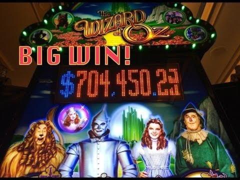 80% First Deposit Bonus at Hot Line Casino