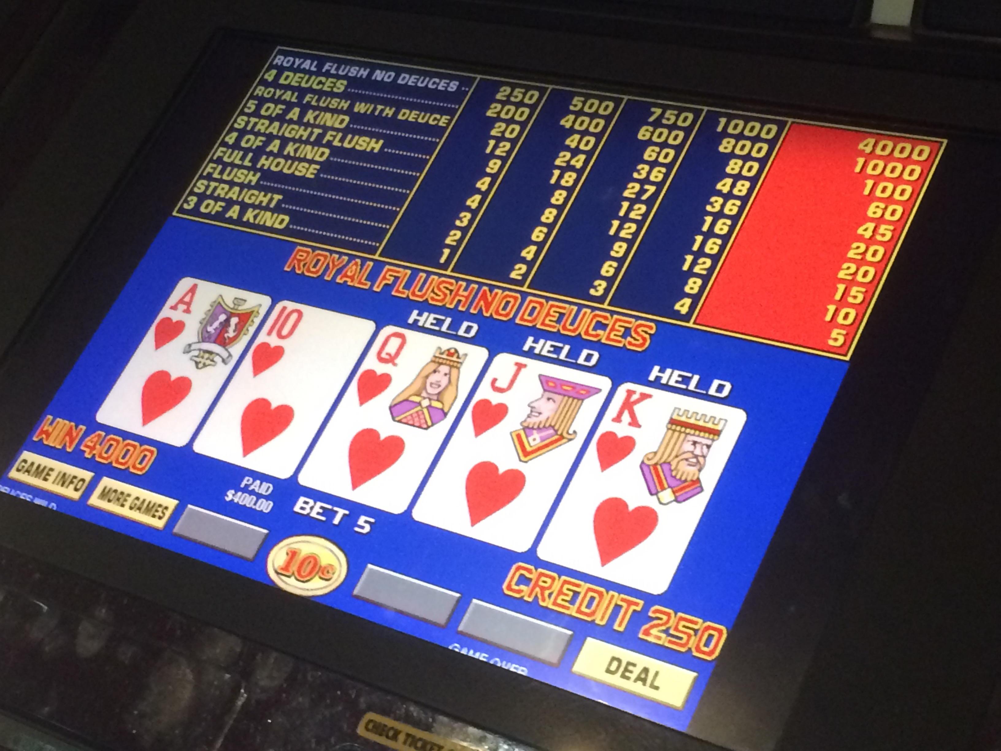 € 860 turnaj v Sloto'Cash