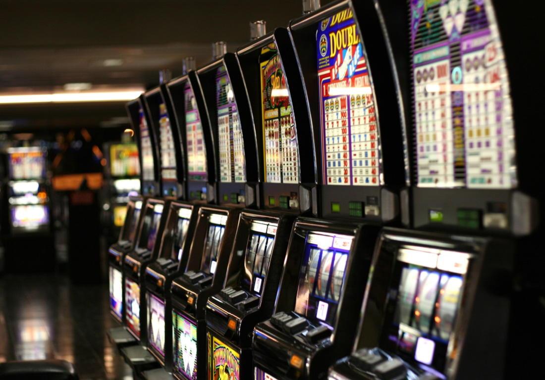 € 445 խաղատան չիպը Slots Capital- ում