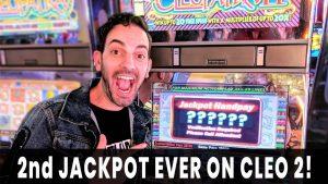 🎉 JACKPOT ON CLEO 2! 💰🦂  Brian's Favorite SECRET VEGAS HIDEAWAY 🌭🍹 Stage Door casino bonus