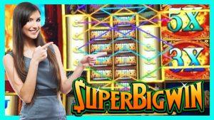 Super large WIN on novel Super Colossal Reels WMS Spartacus Slot   casino bonus Countess