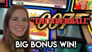 large BONUS WIN! James Bond Thunderball Slot Machine! Love Those atomic number 79 Chip Re-Spins!!