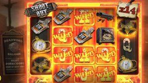 """👑 """"Deadwood"""" dideli """"Win Bonus Buys"""" perka """"Shoot Out"""" charakteristiką 💰 (be ribų didmiesčio)."""