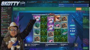 Streamer mega win 31 000 € on Razor Shark   Top 5 large wins inwards casino bonus slot DO