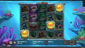 razor shark slot large win