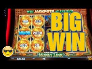 large WIN ON MONEY LINK SLOT MACHINE #shorts