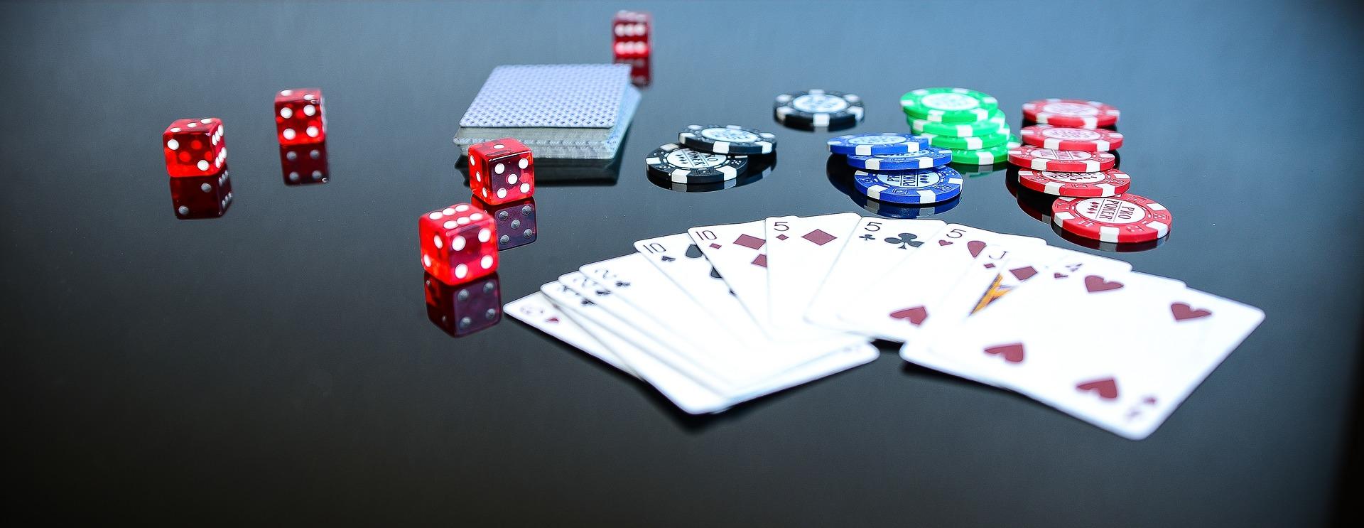 Prēmijas un prasības, kas attiecas uz tiešsaistes kazino