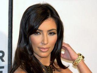 Spielen Sie Blackjack mit Kendall Jenner und Kim Kardashian