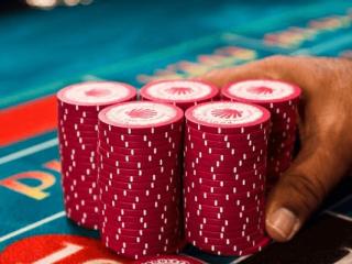 어떻게하면 온라인 블랙 잭에서 우승 확률을 높일 수 있습니까?