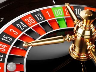 ¿Menos o muchos números es la mejor estrategia de ruleta en línea?
