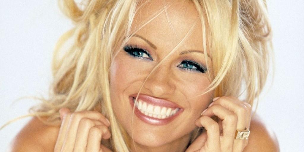 Pamela Anderson még mindig fordul a vezetők a kaszinó asztalok