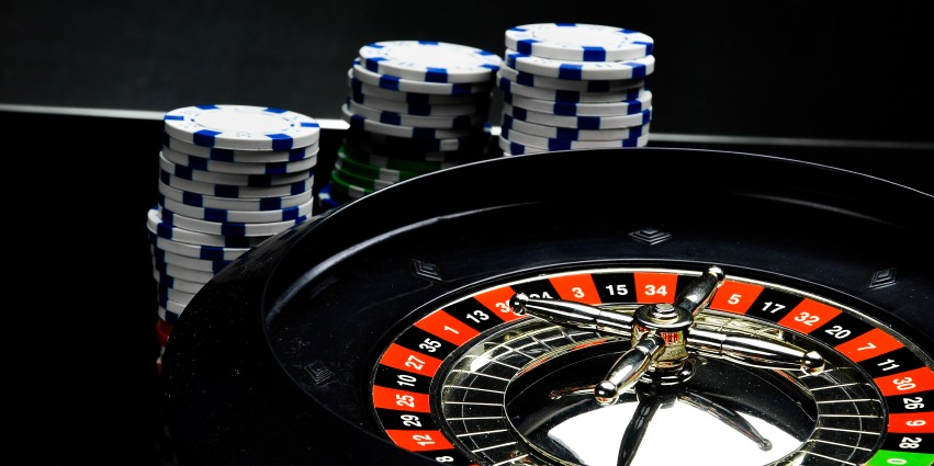 5 Heros Who Set the Roulette Wheel in Motion