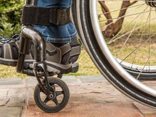 対麻痺者のためのウォーキングの新しい希望
